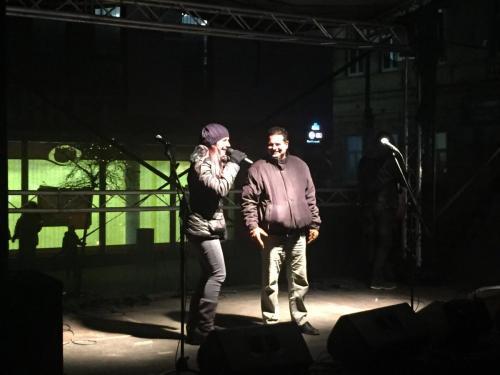 Bára Tlučhořová se starostou Votic při rozsvěcení Vánočního stromu